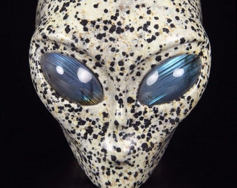 DALMATINE Carved Crystal Star Being Female Alien Skull