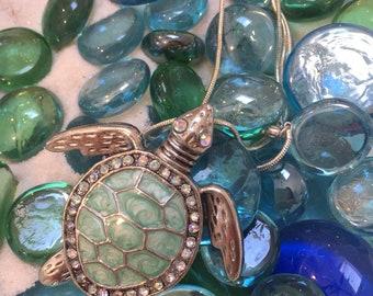 Vintage sea turtle necklace