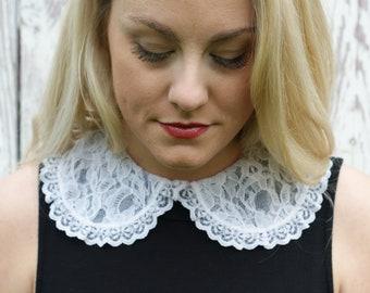 Vintage White Removable Collar