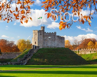 098, Cardiff Castle in Autumn, Wales, UK