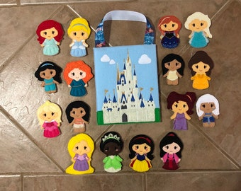Felt princess inspired finger puppet set with bag, pretend play for ages 2-9, dramatic play, imagination, gift for kids, travel toy