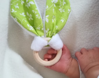 Rattle teething/gripping rabbit ears green and white leaves