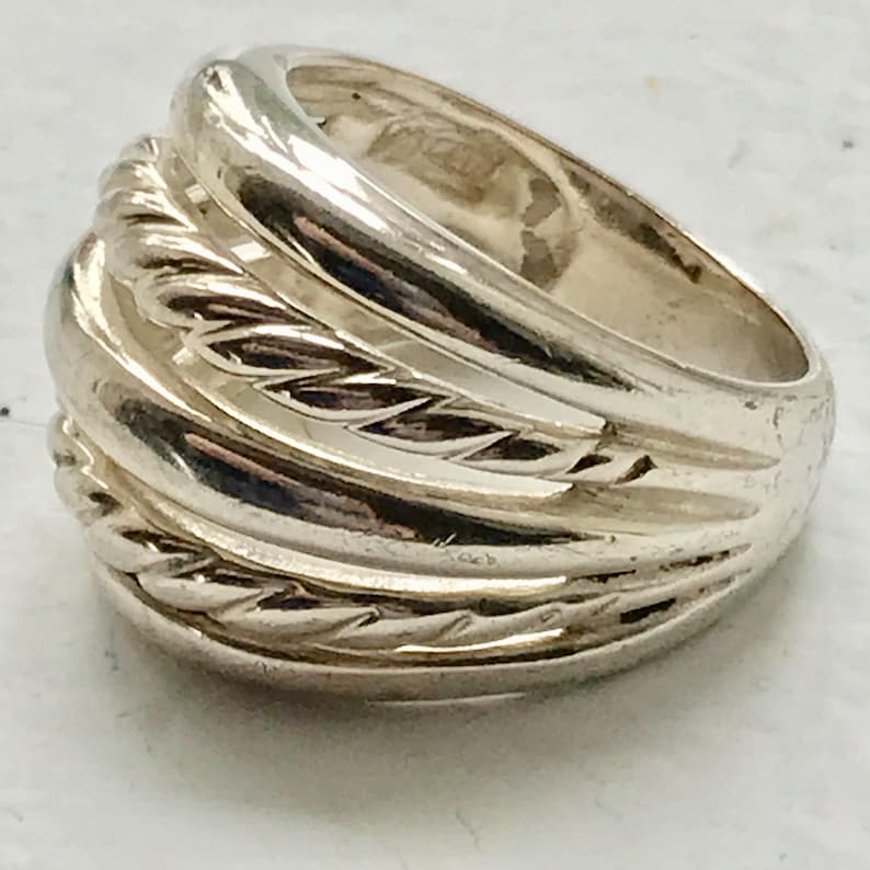 Sterling silver vintage ring rope pattern size 8 marked .925 weighs 9 grams