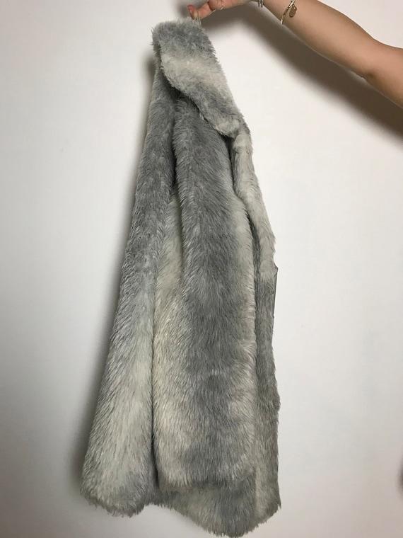 Vintage Faux Fur / Fluffy Fake Fur / Silver Grey / Winter Jacket