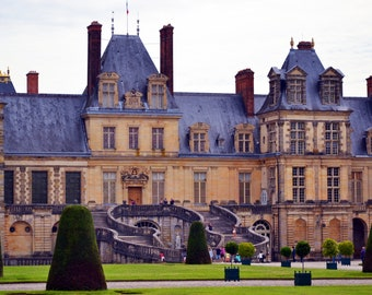 Lot of 3 photos of Fontainebleau Castle to print yourself