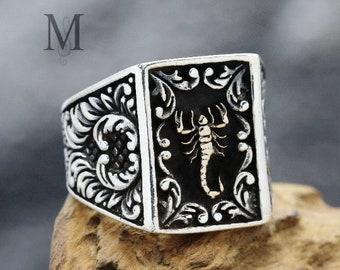 MEN 925 STERLING SILVER RING GREEN Garnet design rare scorpion horoscope