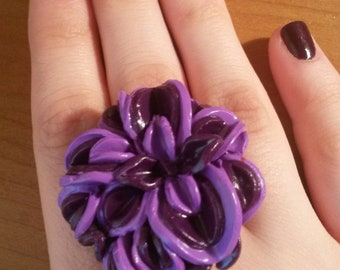 Maxi round ring with beaded flowers