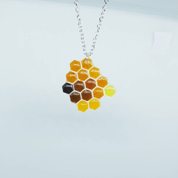 Silver Resin Pendants Jeweled-Honeycomb Painted