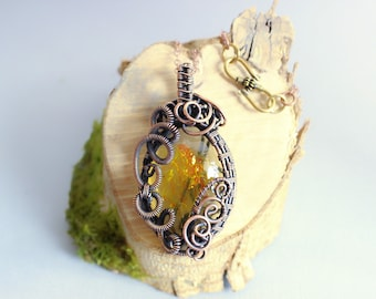 """Wire wrapped pendant and resin """"Tree of may"""""""