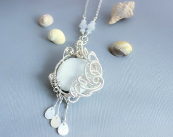 """Necklace wire wrapped """"White Lady"""""""