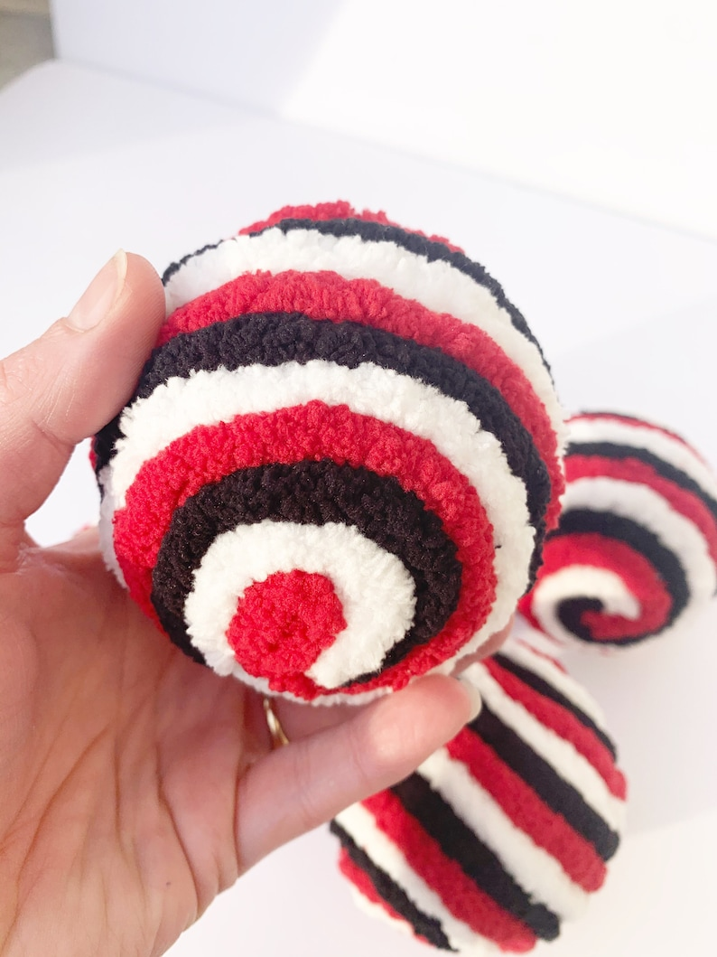 Tiered Tray Decor Red White and Black Sports Themed Decorations Decorative Yarn Ornament Balls Valentine Wreath Attachment