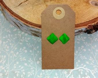 Green studs earrings; Size L