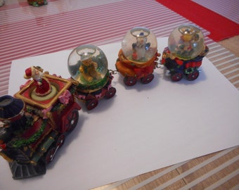 4 Snow Globes,Water Globe, Christmas,Vintage,Santa Claus,Penguin,brown bear, Reindeer,train,Christmas Globe,