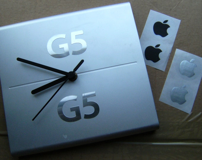 Apple G5 DUAL Processor Plate Clock, with stand & stickers