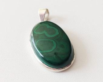 Green / MALACHITE - mounted Cabochon pendant - 17 35grs - jewelry