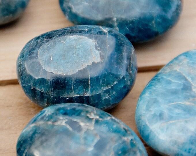 Bleu --APATITE BLEUE - Pierres roulées - 8 à 11 g selon taille - vendues à l'unité ou par lots de 2 à 7 pierres