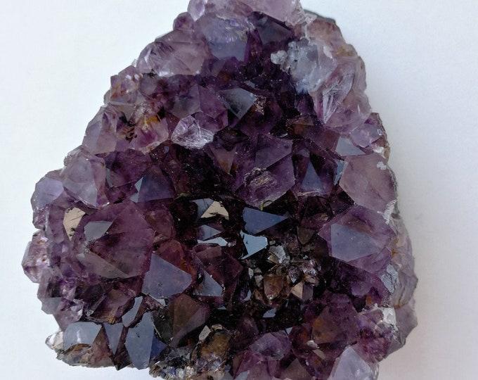 Violet/Mauve --AMETHYSTE D'URUGUAY - Très belle druse (Morceau de Géode brut) - Poids : 423 g - 46 pièces disponible au choix (me contacter)