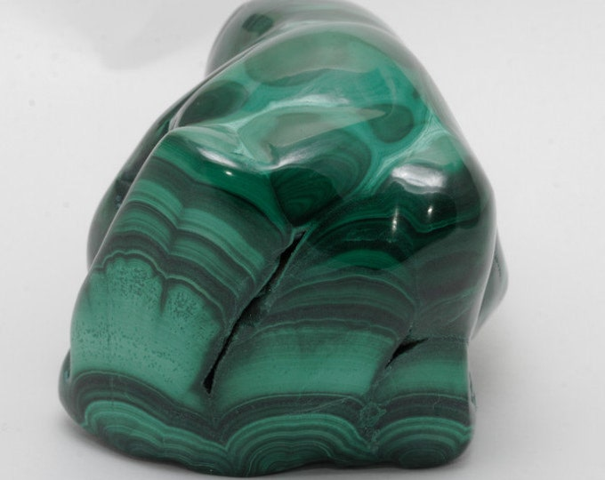 MALACHITE - Surprising piece polished shape of elephant (or other depending on your inspiration at the time) to decorate or your collection