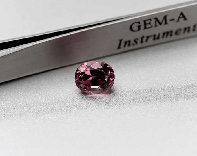 Pink / SPINEL ROSE - 2.45 CTS - faceted - 8X6X6mm - editing jewelry - Collection