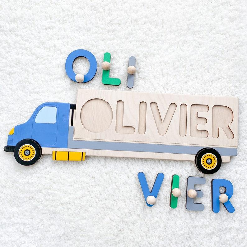 Camion Montessori avec le prénom de l'enfant - Créatrice ETSY : BusyPuzzle