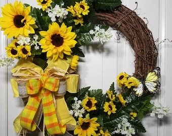 BEAUTIFUL Fresh Spring/Summer Sunflower Grapevine Wreath w/just a touch of rustic.