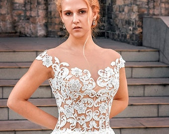 Wedding Dress in Ivory sweetheart Wedding ballgown dress