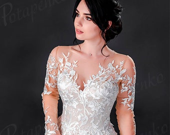 Corset Fantasy Wedding Dress in Ivory sweetheart Corset Wedding ballgown dress. size 42\44