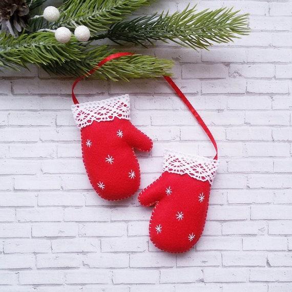 image 0 - Christmas Mittens