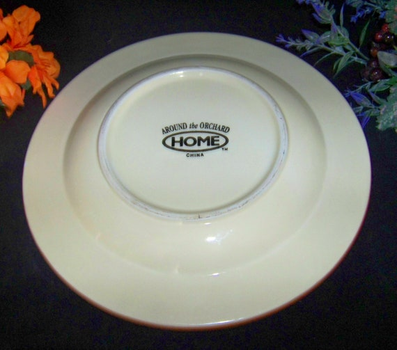 2 Home China Around the Orchard Luncheon Dinner Plate Fruit Center