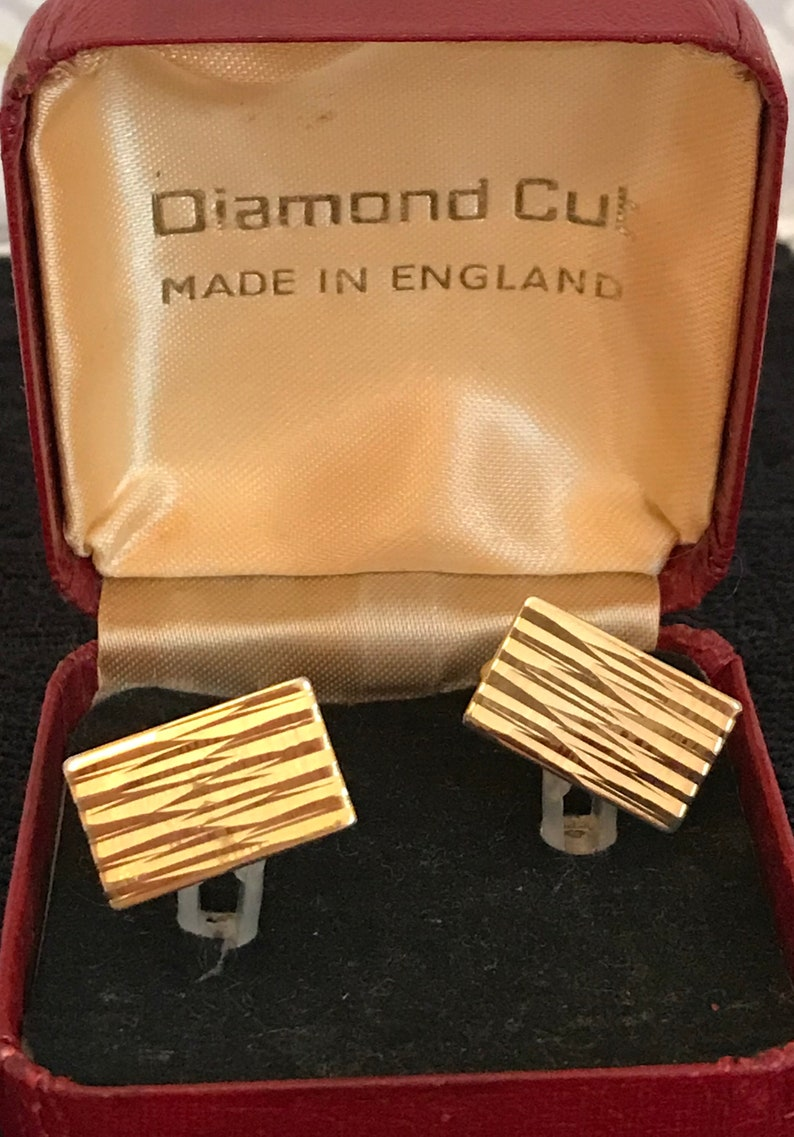 Diamond Cut Gold Tone Vintage Men/'s Ladies Cufflinks in original Box
