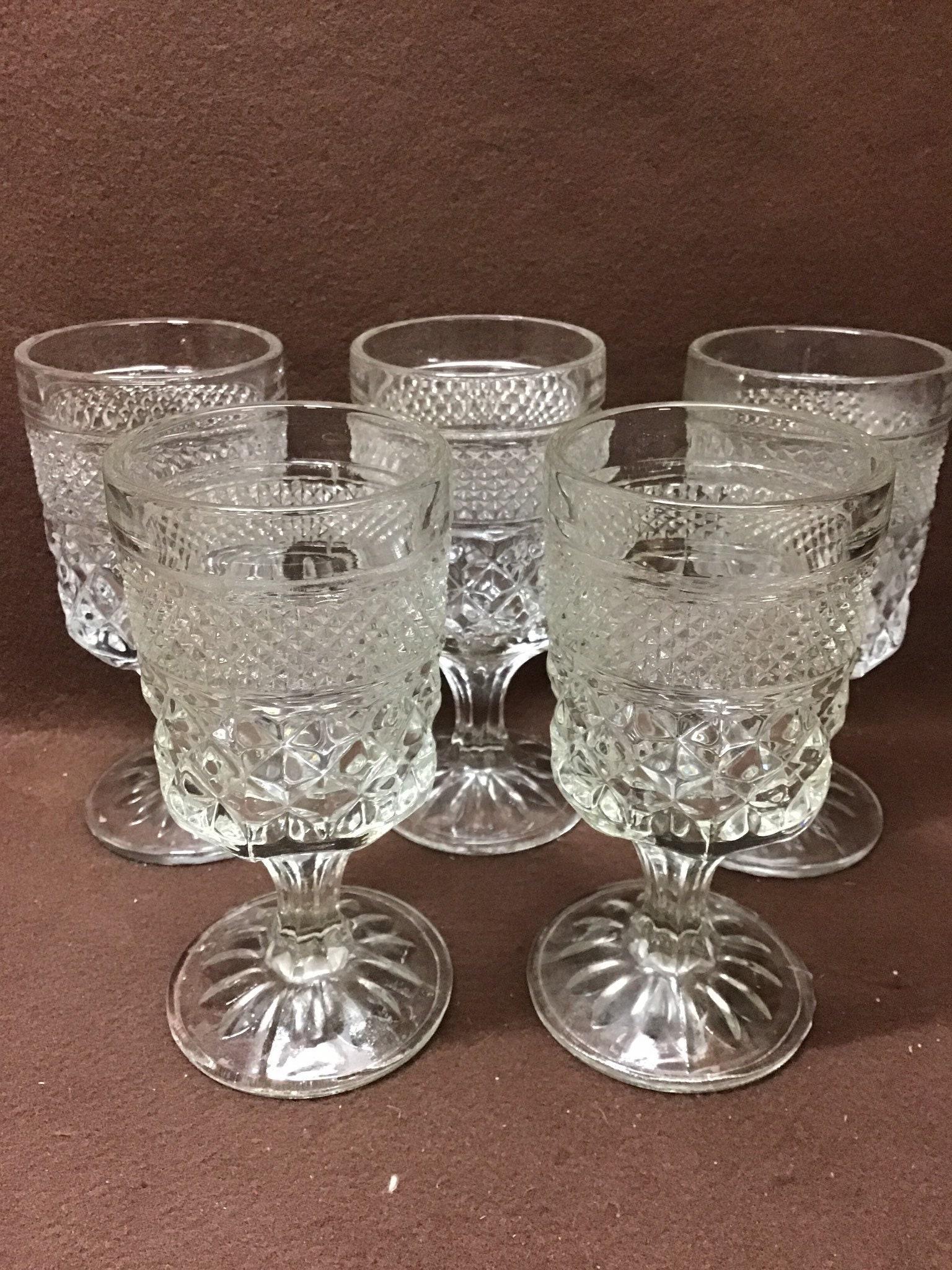 Wedding Decor Anchor Hocking Wexford Goblets Set of 2 Wexford Wine Glasses Pair of Vintage Wine Glasses