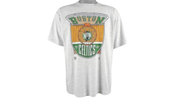 NBA (Official Fan) - Boston 'Celtics' Spell-Out T-