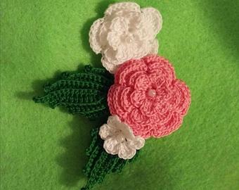 Corsage in Irish crochet