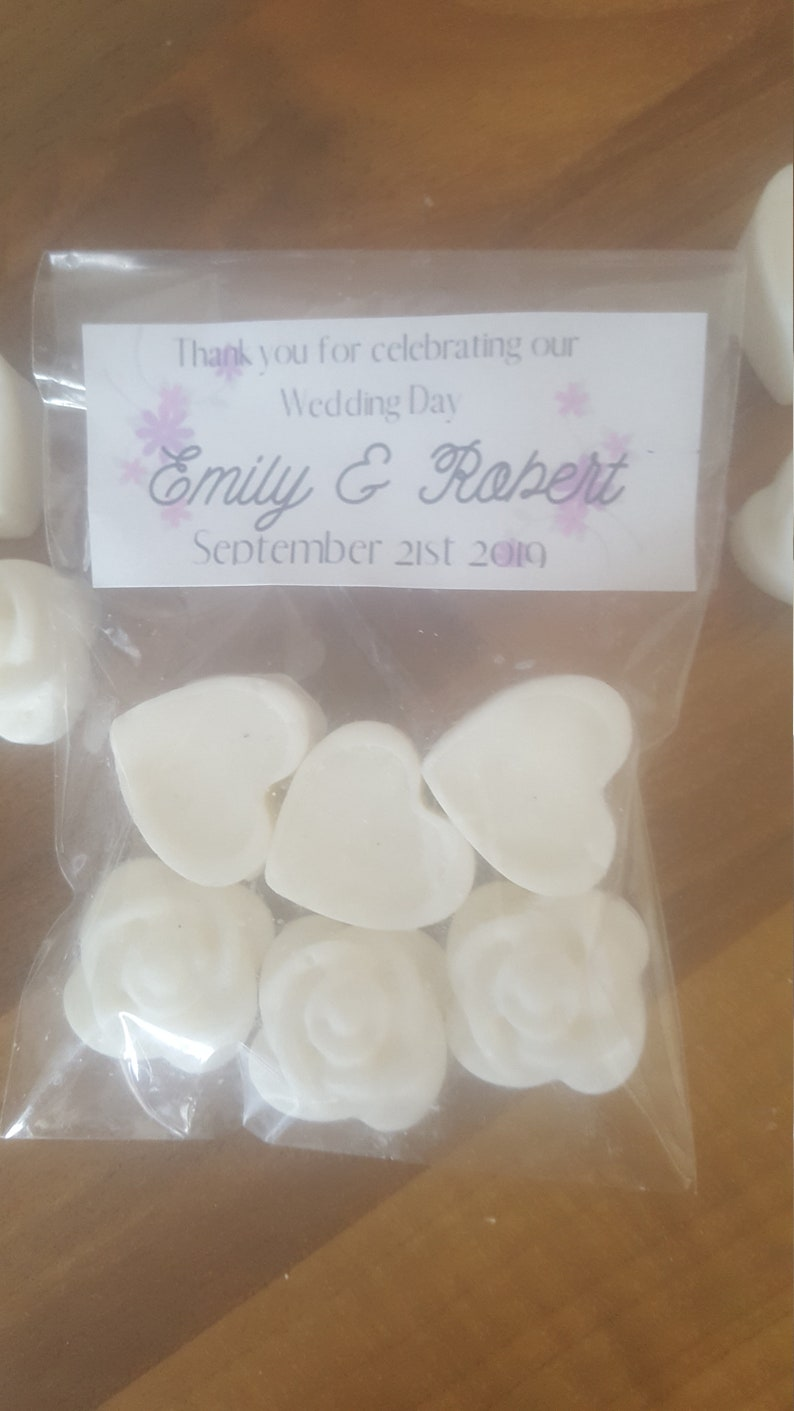 Personalised Wedding Day Heart and Flower shaped Set of 6 White Soy Wax Melt Wedding Favors