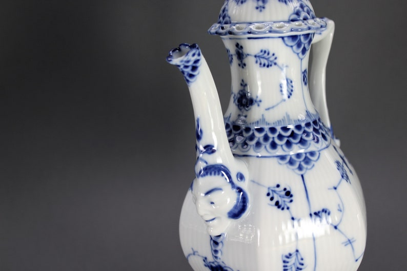 Excellent Condition Gargoyles Blue Fluted Full Lace # 1030 Royal Copenhagen Rare Coffee Pot  Kettle
