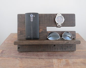 Wooden phone docking station