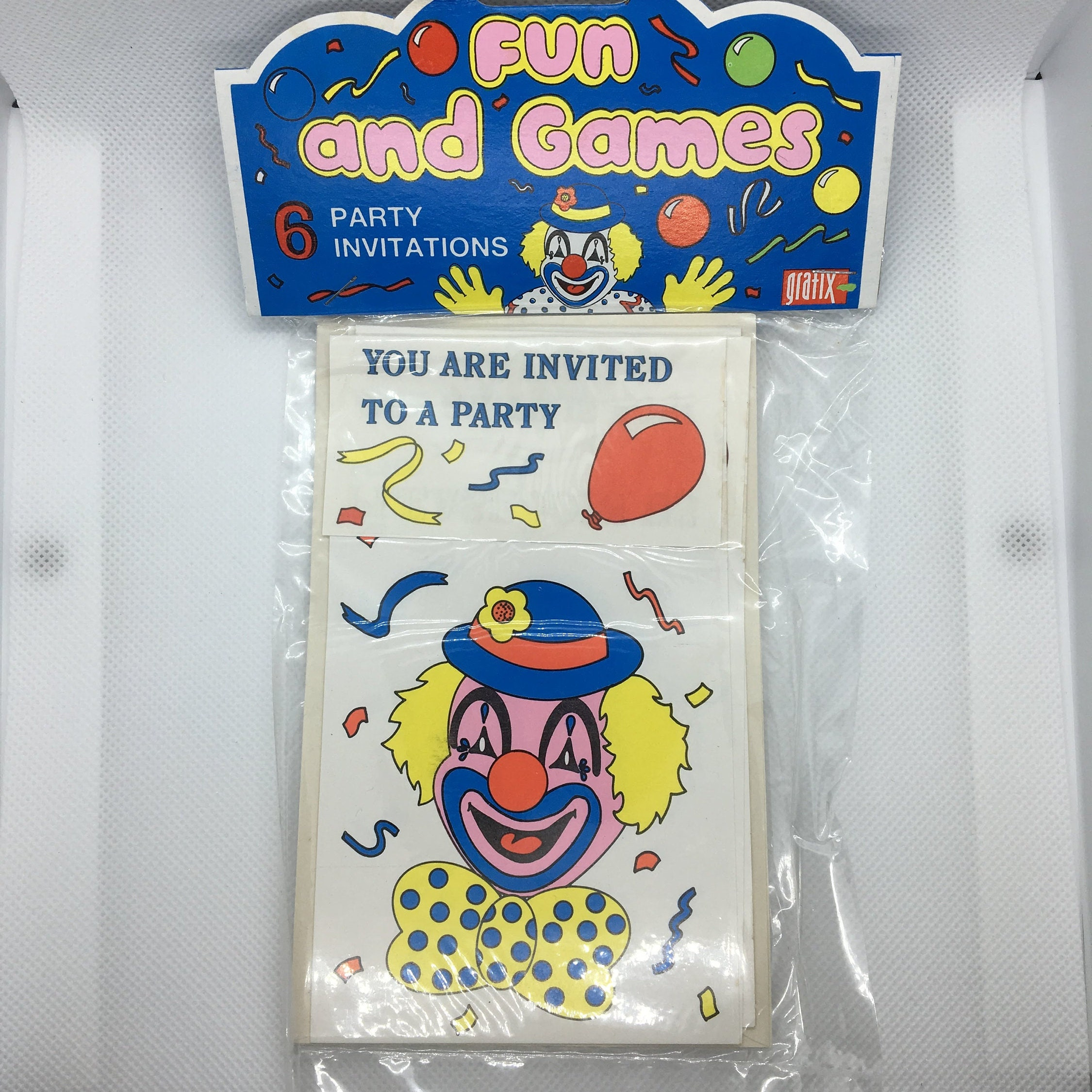 6 Clown party invitation cards with blank envelopes 5