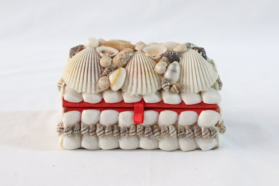 Vintage Handmade Seashell Jewelry Box, Antique Jew
