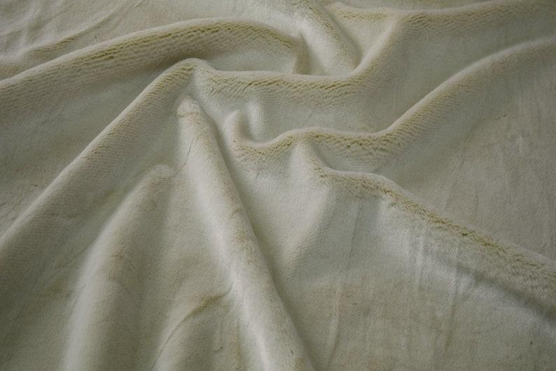 Fabrics-City 4183 Wool White Comfortable Wellness Fleece Fur Fabric