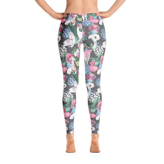 Lamas et fleurs de leggins, fleurs roses, Lama, alpaga, leggins très colorés, legging imprimé, fond gris, animal print, sur toute la longueur