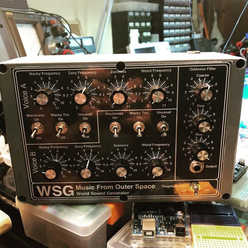 MFOS Weird Sound Generator WSG drone Synthesizer