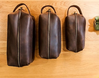 2c1f352696 Leather toiletry bag men