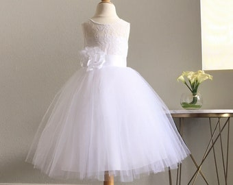 9d500afc4e4 Floral Lace White Flower Girl Dress