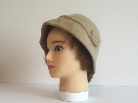 Vintage Cloche, 1920s Hat, Vintage 1920s felt Cloc
