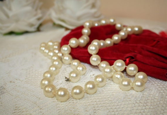 Vintage70s Pearl Necklace, Classic Pearl Necklace,
