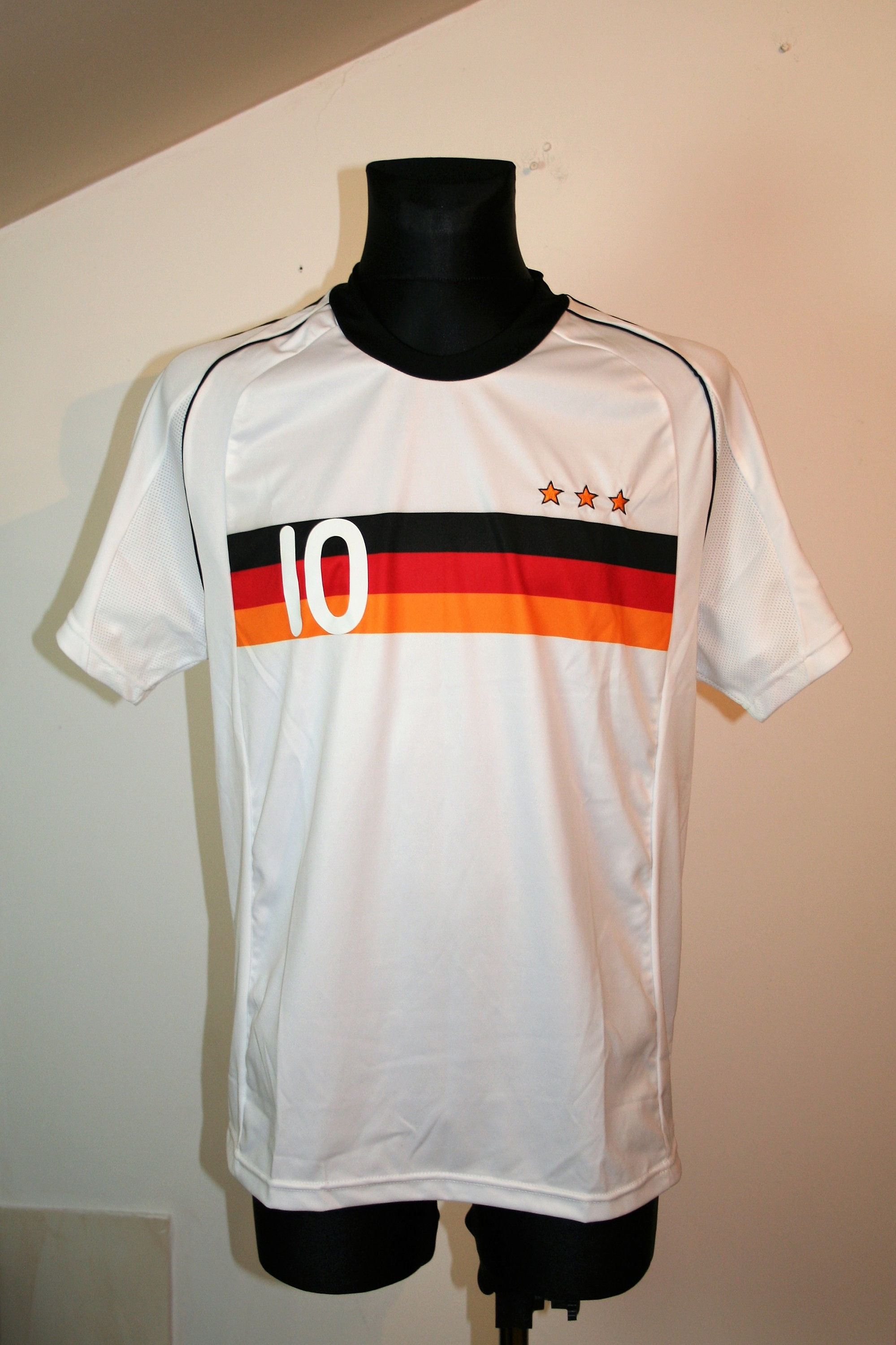 Football Shirt Germany Deutschland Size: M New LongSleeve Tee