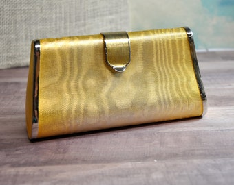 6144984416 Vintage Neusteters Gold Metal Evening Hand Bag