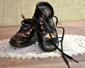 4aeebd400c7ee Shoe lace display | Etsy