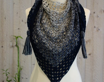 Small shawl or scarf / spring, trendy and modern!