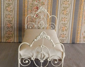 """Artisan Made 1:6 Playscale, Barbie Scale Wrought Iron Look Bed """"Willow"""""""